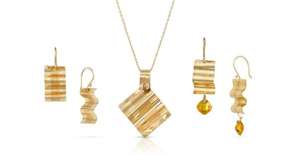 14K Gold Ribbon Candy Grouping with Two Pair of Earrings and a Pendant
