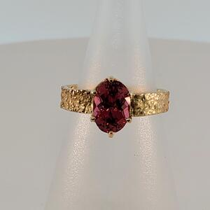 Natural Textures Collection, Gold Sugar Ring with Oval Spinel