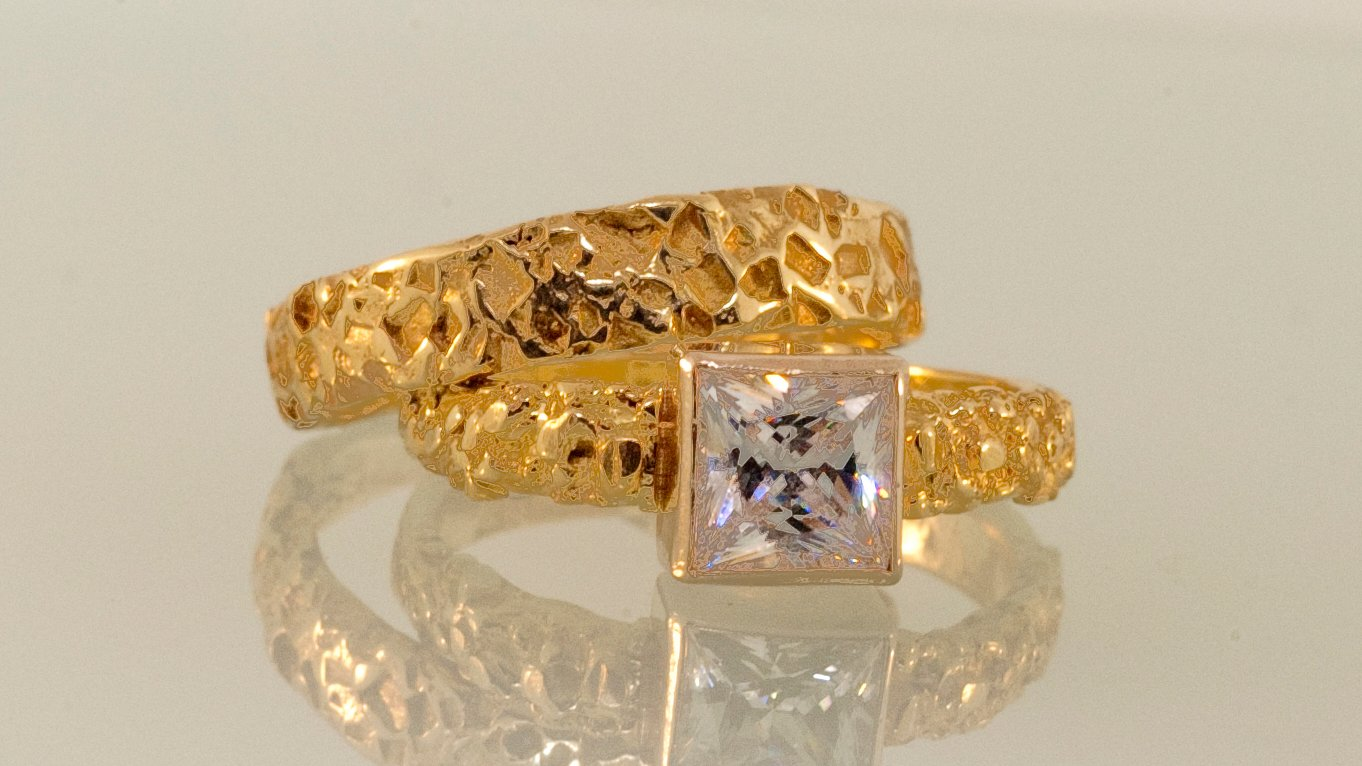 Sweet Love Gold Wedding Ring Set with Raw Sugar Crystals as Band Texture